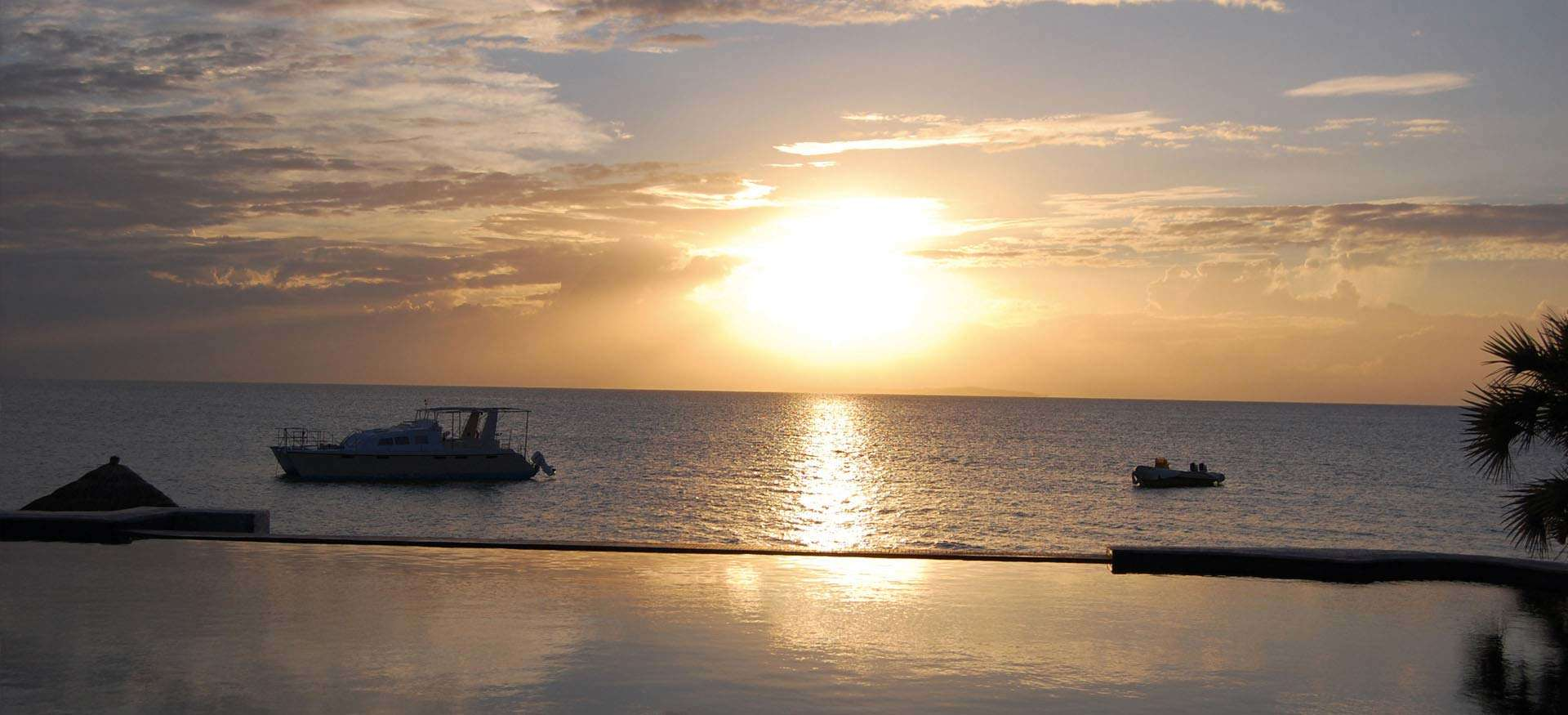 Pemba and matemo holiday package pemba mozambique accommodation - Slide Background