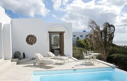 Villa Santorini - loungers and pool