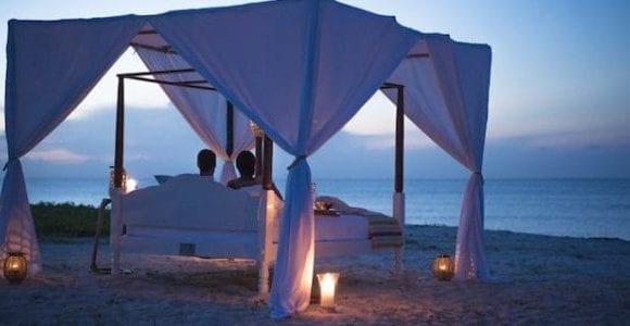 Anantara Medjumbe Island star bed at twilight 1024x683 2 600x300