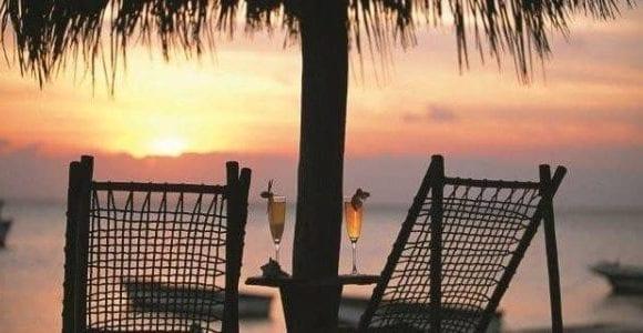 Beach Cocktail sunset Azura 2 600x300