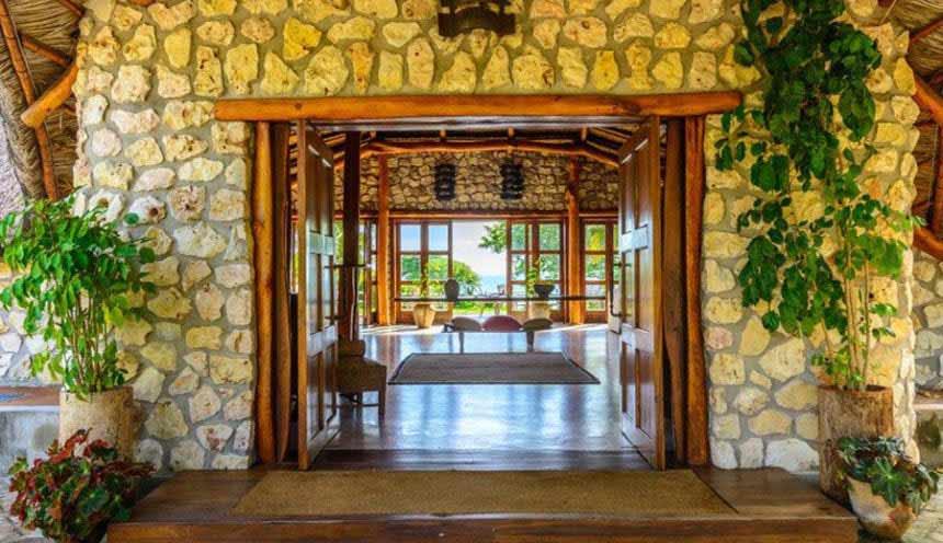 Bahia Mar 001 Main Lodge Entrance