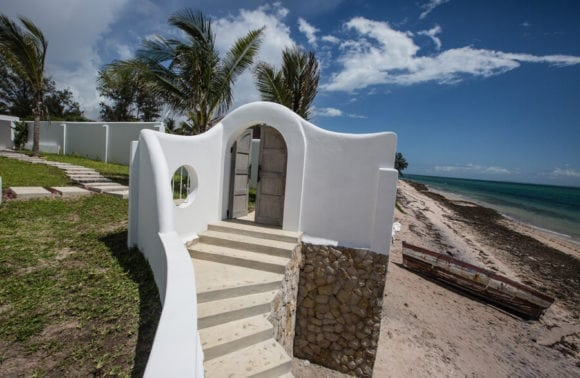 Bahia Mar 018 entrance from the beach