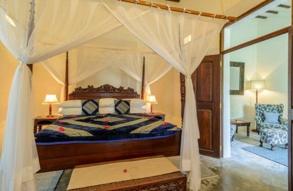 Ibo Island 017 Kixewa Interior showing interleading lounge