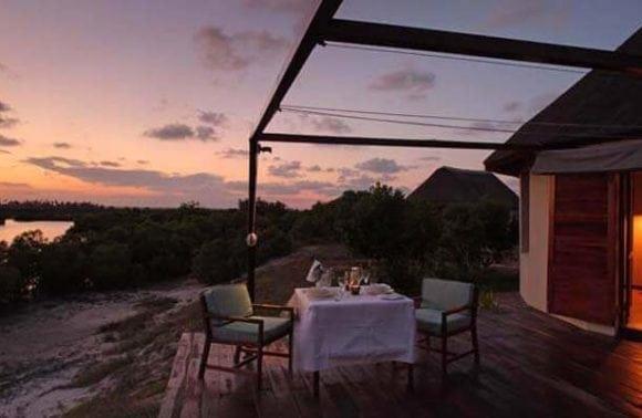 Villa dining 3