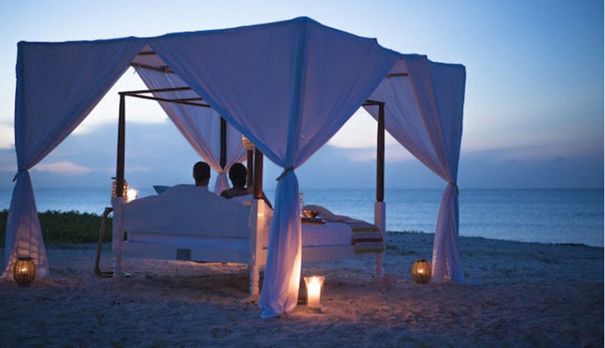 Anantara Medjumbe 007 star bed at twilight