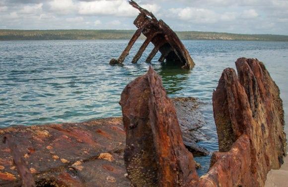 Castelo do Mar 013 beach wreck