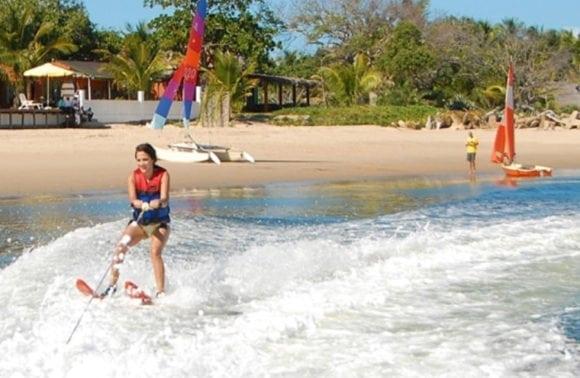 Castelo do Mar 015 water skiing