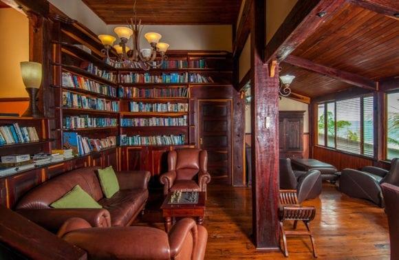 Castelo do Mar 017 library lounge