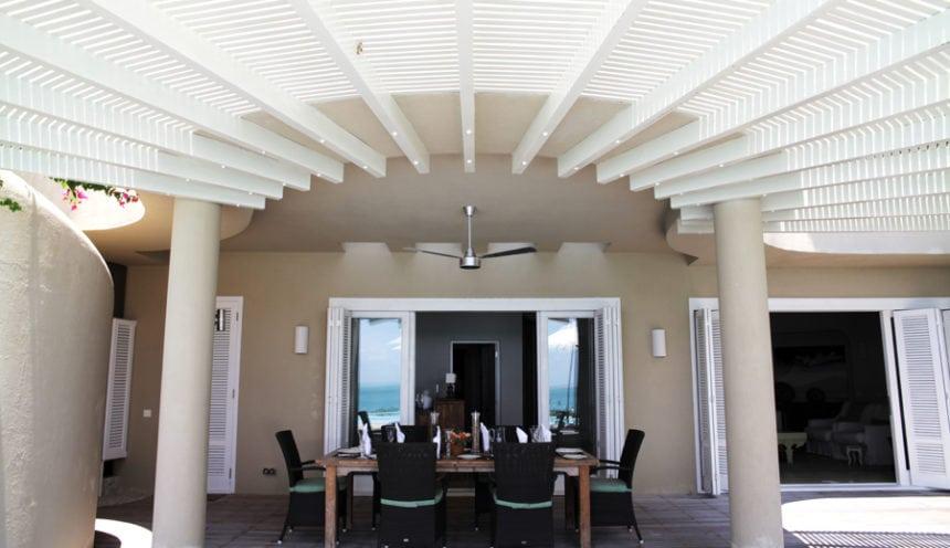 Magaruque Island 001 Porch Table