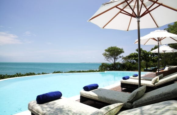Magaruque Island 014 Pool side
