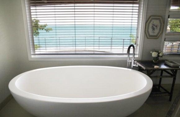 Magaruque Island 019 Bathroom