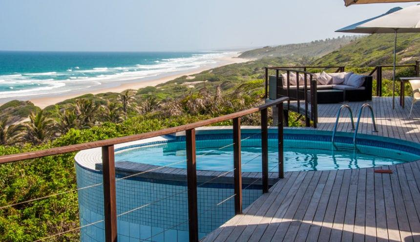 Massinga Beach 008 Dive pool and deck