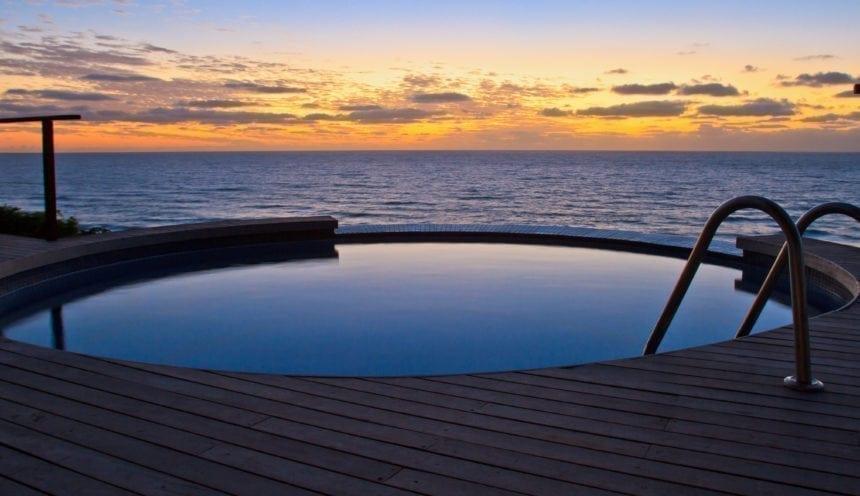 Massinga Beach 009 Dive pool and deck