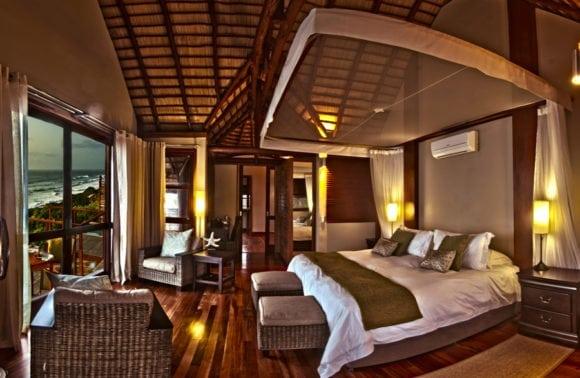 Massinga Beach 013 oceanfront deluxe bedroom