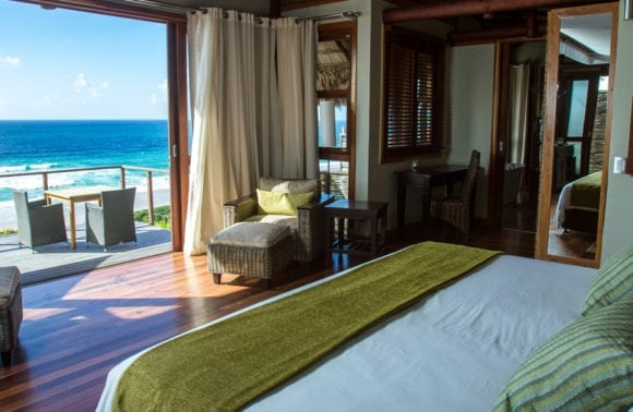 Massinga Beach 014 oceanfront deluxe bedroom