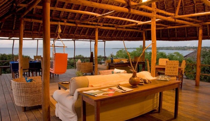 Nuarro Lodge 004 Main Area