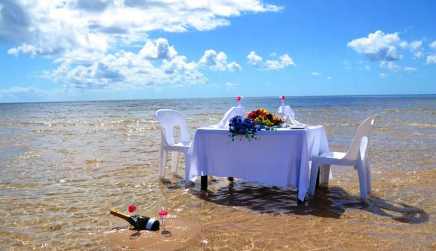 Pestana Bazaruto Lodge 001 Romantic Lunch in the Water