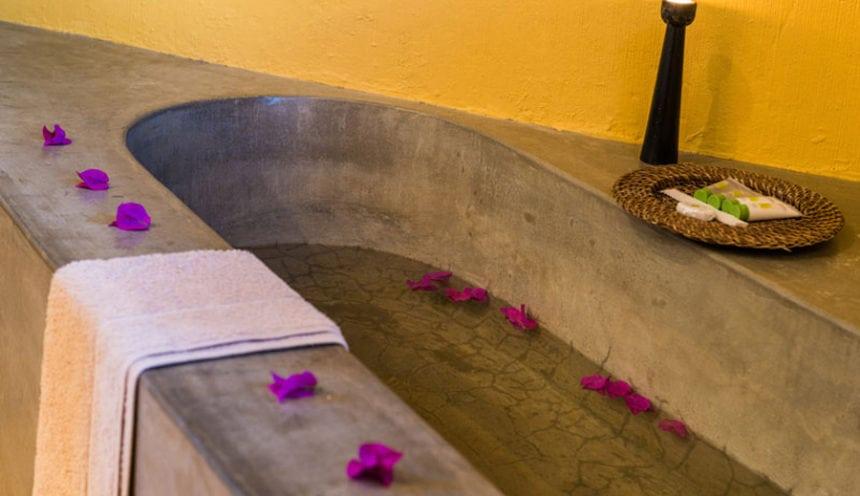 Pestana Bazaruto Lodge 008 Bath