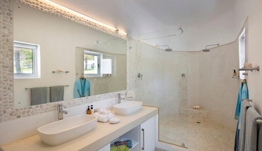 Villa Santorini 009 Bathroom