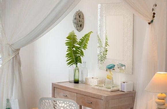 Villa Santorini 015 Mirror table