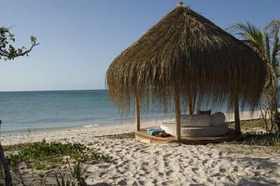 Azura Beach sala s