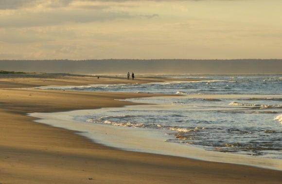 Blue Footprints 017 Walk on the Beach