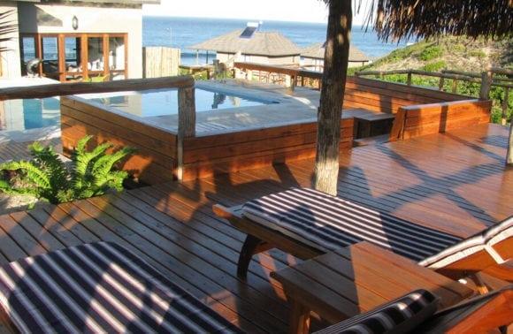Blue Footprints Lodge 005 Pool and deck