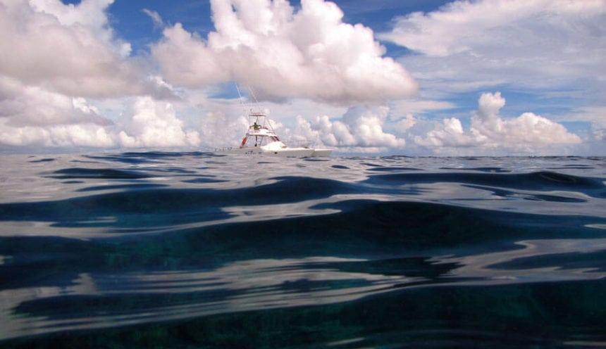 Situ Island Resorts 001 3 levels of awesome boat sea sky