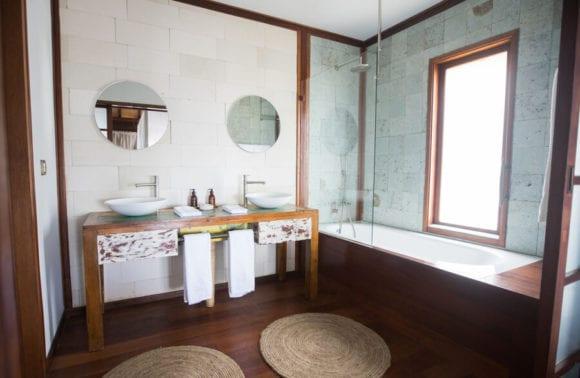 Sentidos Room Toillet family villa