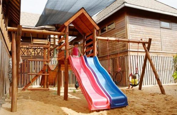 kids play outside